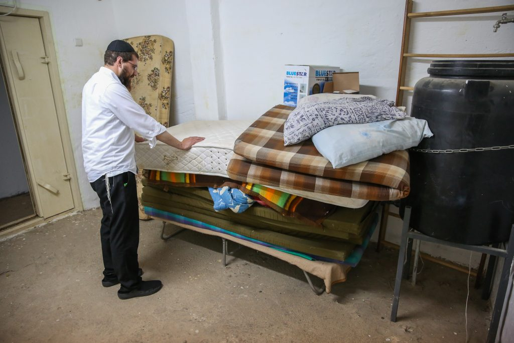 israel bomb shelter