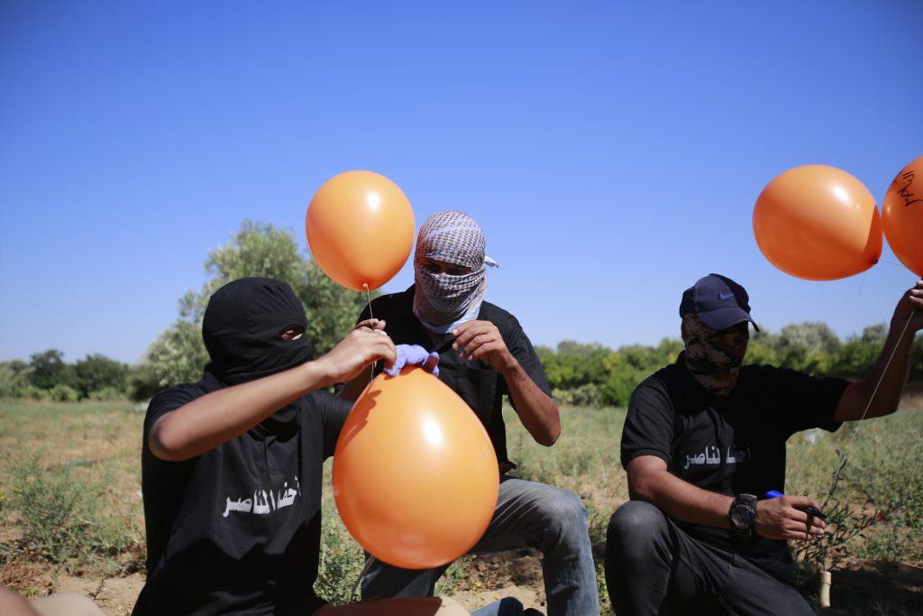 gaza israel balloons